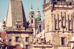 Меньшие башня моста городка и церковь St Nicholas Стоковые Изображения RF