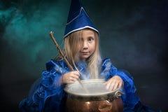 Меньшие ведьмы halloween Стоковые Фото