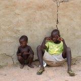 Меньшие мальчики Himba, Намибия Стоковое Фото