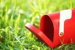Меньший красный почтовый ящик Стоковые Фото