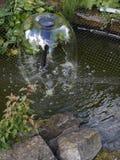 Меньший пруд в саде Lancashire Стоковая Фотография