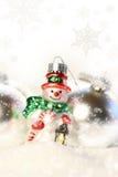 меньший снеговик снежка орнамента Стоковая Фотография