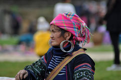 Меньшинство женщины Hmong китайское в Sapa, Вьетнаме Стоковое фото RF
