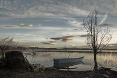 Меньшяя рыбацкая лодка Стоковые Изображения
