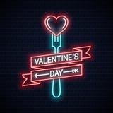 Меню дня Святого Валентина неоновое Неоновая вывеска вилки и сердца на предпосылке стены иллюстрация вектора
