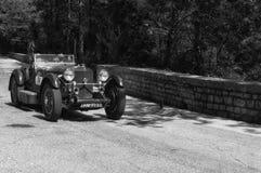 МЕРСЕДЕС-BENZ 190 SL 1956 на старом гоночном автомобиле в ралли Mille Miglia 2017 Стоковое фото RF