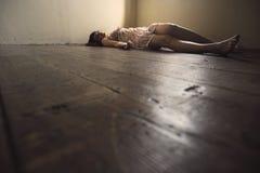 мертвая женщина Стоковые Фотографии RF