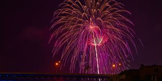Мерцающие фейерверки над Кливлендом Стоковые Изображения RF