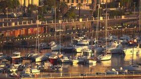 Мессина, Италия - 6-ое ноября 2018 - панорамный вид зданий на стороне порта в Сицилии в 4k акции видеоматериалы