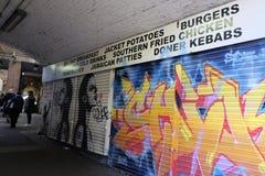 Местное кафе теперь закрыло вниз в rea сводов Brixton, Лондоне Великобритании Стоковые Фотографии RF