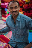 Местное одеяло или поставщик одежд в Индии Стоковая Фотография