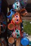 Местные сувениры на дисплее на рынке пляжа в Playa del Carmen, Мексике Стоковые Изображения RF