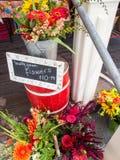 Местные цветки для продажи стоковое фото rf