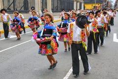Местные люди танцуя во время фестиваля девственницы de Ла Кандели Стоковое фото RF