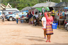Местный рынок в Khao Lak, Таиланде Стоковые Фотографии RF