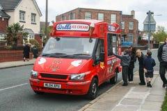 Местный фургон мороженого стоковая фотография rf