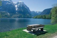 Место влюбленности на озере в лете стоковое фото