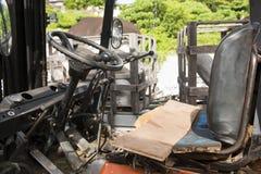 Место водителя в автомобиле Backhoe стоковое изображение