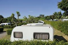 Место для лагеря во Франции с голубым небом стоковые изображения