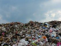 Место захоронения отходов в Таиланде стоковые изображения rf