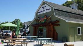 Место динозавра на деревне искусства природы в Montville, Коннектикуте Стоковое Изображение RF