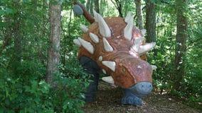 Место динозавра на деревне искусства природы в Montville, Коннектикуте Стоковые Фотографии RF