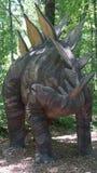 Место динозавра на деревне искусства природы в Montville, Коннектикуте Стоковое фото RF
