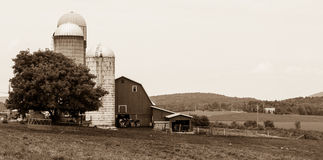Место молочной фермы Вермонта в светотеневом Стоковые Фото