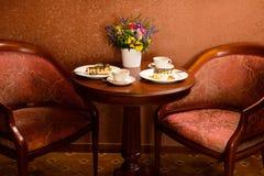 Место на кофе и тортах сервировки Стоковое Изображение