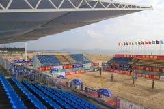 Место на открытой трибуне стадиона с тентом Стоковое Изображение