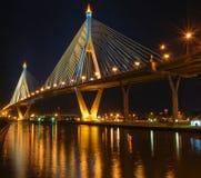 место ночи моста bhumibol Стоковая Фотография RF