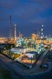 Место ночи химического завода стоковое фото rf
