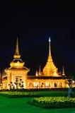 место ночи crematorium королевское тайское стоковые фотографии rf