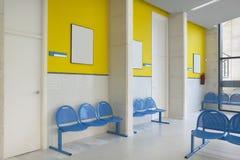 Место ожидания общественного здания Деталь интерьера больницы никто стоковые фото