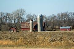 Место фермы под голубым небом Стоковые Фото