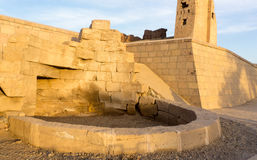 Место фонтана в древнем храме Стоковые Фотографии RF
