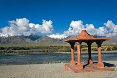 Место Sindu Darshan на банке река Инд, Leh-Ladakh, Индии Стоковое Изображение