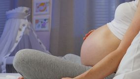 9 месяцев беременности сток-видео