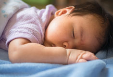 1-месяц-старый младенец спал Стоковая Фотография RF