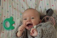 Месяц-старый усмехаясь младенец 3 стоковое фото rf
