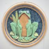 Металлическая пластинка лягушки керамическая Стоковые Изображения RF