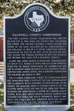 Металлическая пластинка с краткой историей здания суда Caldwell County внутри Стоковое Изображение