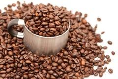 металл кофейной чашки фасолей Стоковые Фото