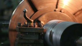 Металл обрабатывая сваривая филируя меля вырезывание акции видеоматериалы