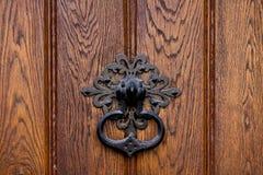 металл ручки двери деревянный Стоковая Фотография