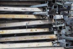 Металл гальванизированный лесами сложил славно в пакете Конец-вверх Абстрактная предпосылка металла Абстрактная предпосылка метал Стоковое фото RF