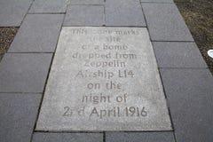 Металлическая пластинка бомбы Зеппелина в Эдинбурге Стоковое фото RF