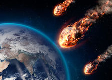 Метеор накаляя как он входит в земную атмосферу Стоковая Фотография RF