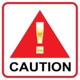 Метка внимания золота на красном треугольнике вектора предосторежения знака иллюстрация штока