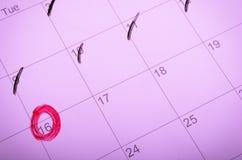 Метка календаря с красным кругом Стоковое Изображение